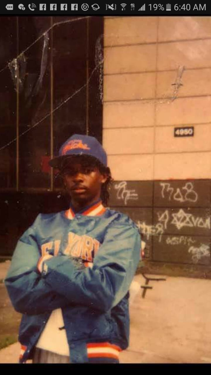 Black disciples chicago gang history star d in front of 4950 building of the robert taylor homes in the late 1980s buycottarizona Choice Image